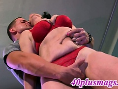 Horny divorcee enjoys a good fuck