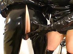 Sexy latex fuck and breathplay